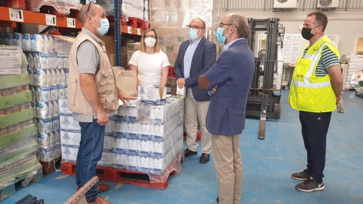 Visita de Miguel Latorre al Banco de Alimentos.