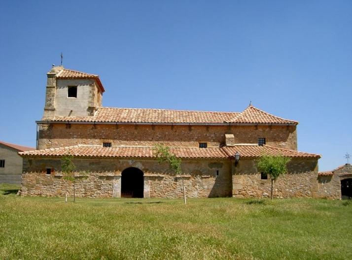 Foto 1 - Trabajos de mejora en la iglesia de Camparañón
