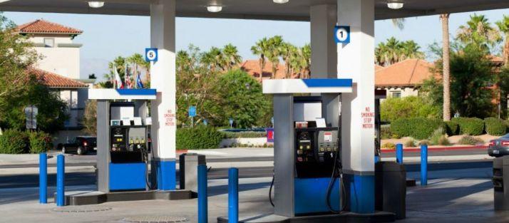 Foto 1 - Junta y Guardia Civil controlan los vapores de gasolina en estaciones de servicio