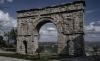 Una imagen del arco romano de Medinaceli.