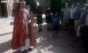 Recibimiento parroquial en San Leonardo a la llegada de los caminantes este domingo. /SN