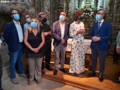 Una imagen de la visita del consejero a la ermita hoy. /SN