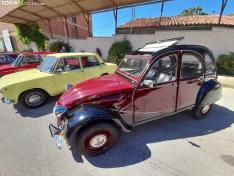 Reunión de coches clásicos en Ágreda.