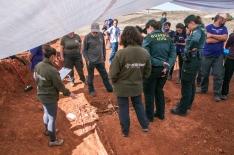 Hallazgo de los restos de los asesinados en La Riba.