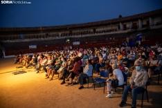 Foto 7 - Exitosa noche de teatro en El Burgo