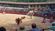 Nueve orejas y dos rabos en la corrida de El Burgo: los tres actuantes salen por la puerta grande