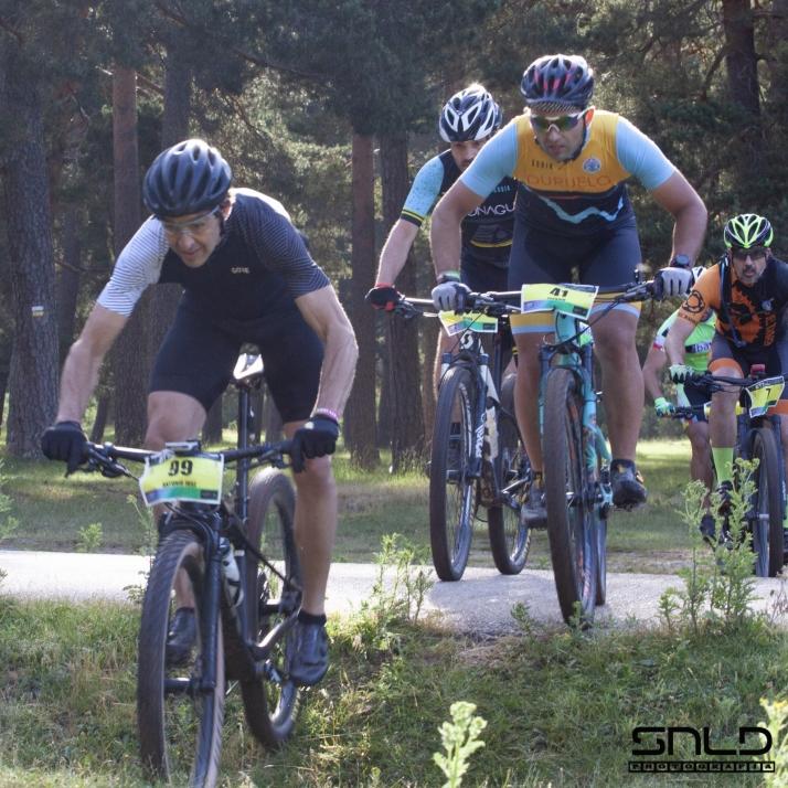 Foto 1 - 240 ciclistas en el BTT Memorial Iván Herrero