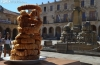 Una torre de torreznos en la plaza Mayor de Soria.