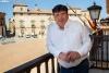 Jesús Cedazo en el balcón del Ayuntamiento de Almazán. /María Ferrer