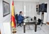 El presidente Sánchez, durante sus vacaciones, en una conferencia sobre Afganistan. Moncloa