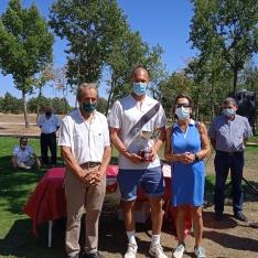 Foto 3 - Ganadores del XV Campeonato de Golf de la Hermandad de Donantes de Soria