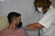 Vacunación de los jóvenes en El Mirón.