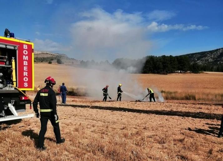 Los bomberos de la capital sofocan un conato de incendio en Fuentetoba