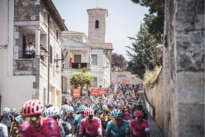 La vuelta en su segunda etapa por Burgos. ASO/ La Vuelta
