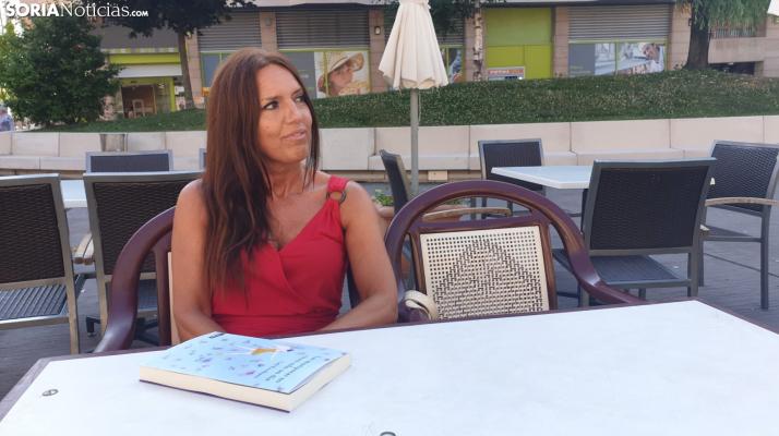 Loli Escribano: 'Qué país este nuestro, en el que nadie lee pero todos saben escribir'