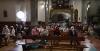 Fieles asistentes a la eucaristía este domingo en Ágreda.