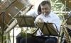 Un componente de la Banda de Almazán, en el cocierto de este domingo. /SN