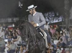 Óscar García y su yegua Egipcia.