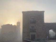 La niebla ha caído hoy sobre el corazón de Soria. Fotos de David Ortega.