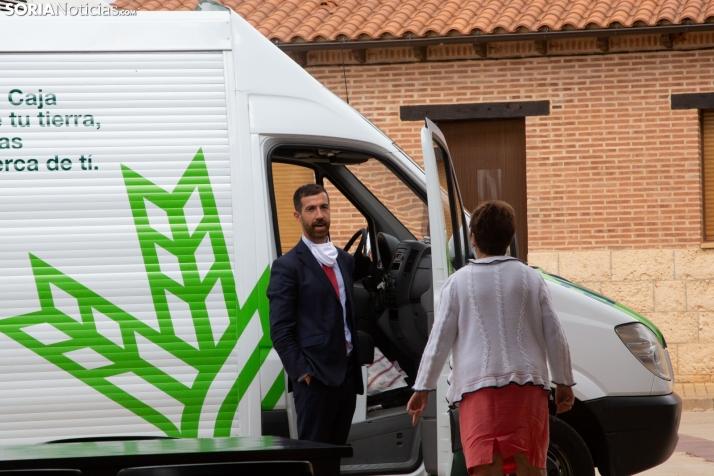 Oficina móvil de Caja Rural de Soria. /María Ferrer