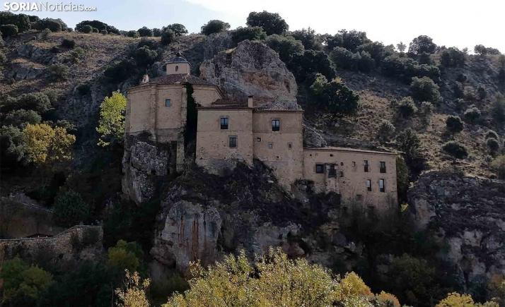 Avanzan los estudios para la restauración de los paramentos de la ermita de San Saturio